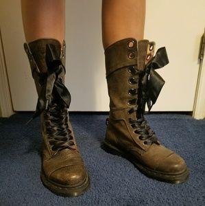 Dr. Martens 1914 Triumph boots